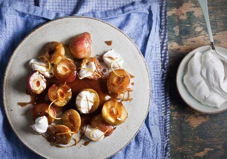 אפרסקים מזוגגים עם קרם מסקרפונה