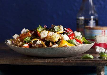 סלט פנזנלה עם ירקות קלויים ופטה עיזים2