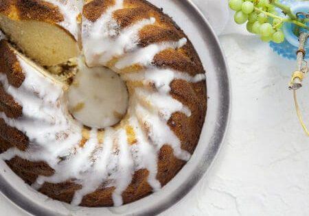 עוגת סולת עם יוגורט לימון וזיגוג יוגורט2